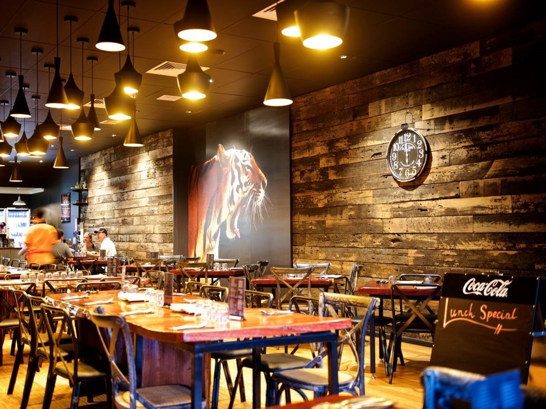 Recycled timber cladding in restaurants by Simply Wood